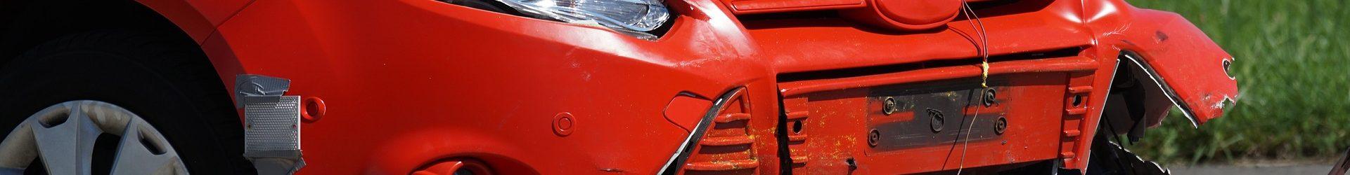 Naboural zaparkované vozidlo