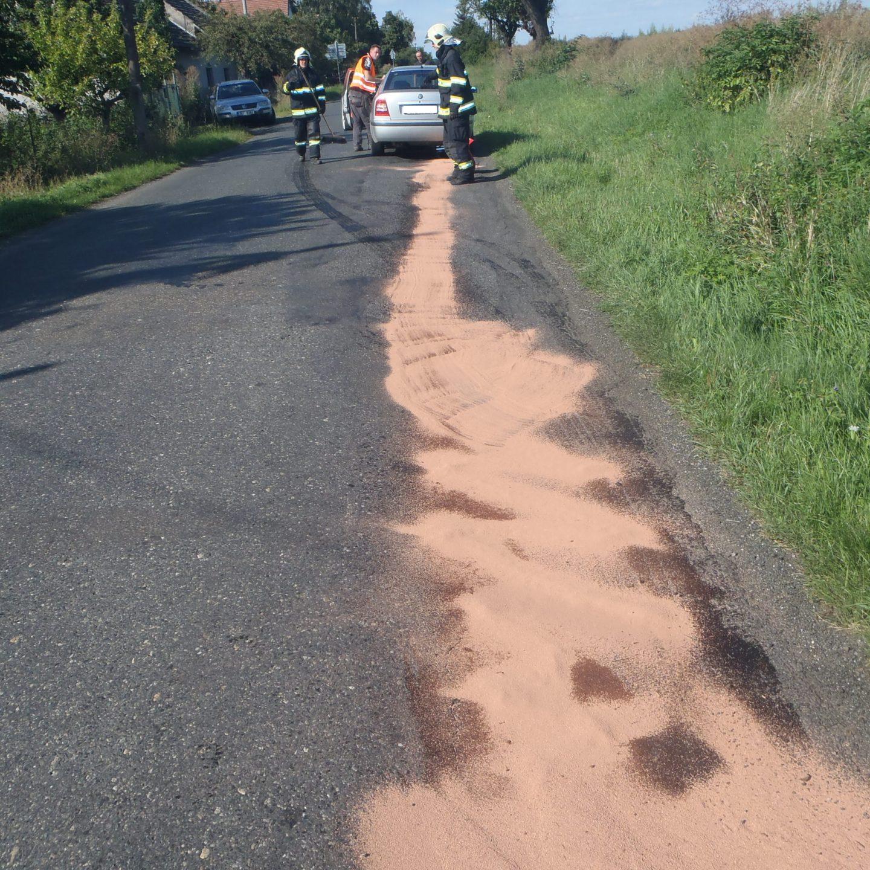 Dopravní nehoda a vyproštění osoby