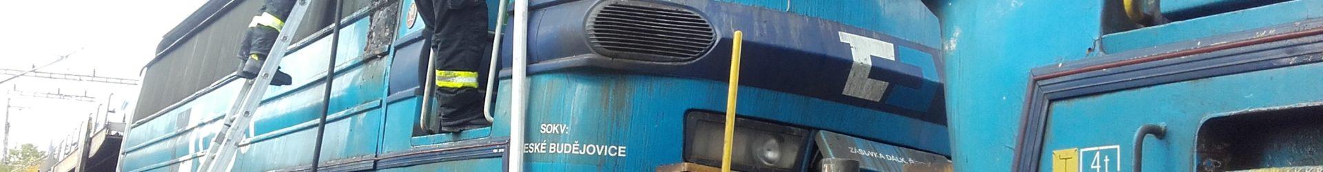 Požár lokomotivy a dopravní nehoda
