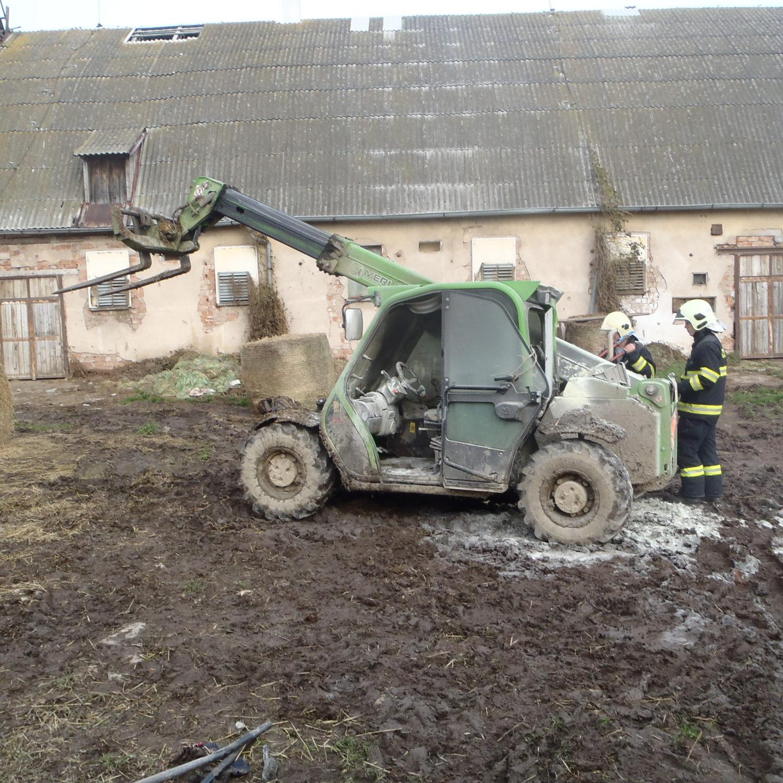 Požáry, dopravní nehoda i únik plynu