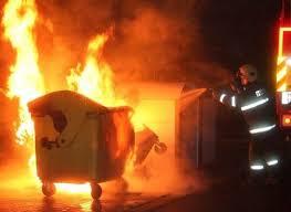 Zapálení kontejnerů